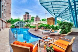 Resorts World Sentosa - Festive Hotel: 2018 Room Prices