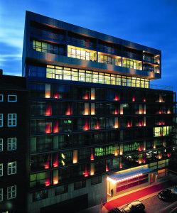 Side design hotel hamburg in hamburg germany best rates for Top design hotels hamburg