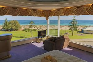 Beach Manor Bed & Breakfast Perth photo