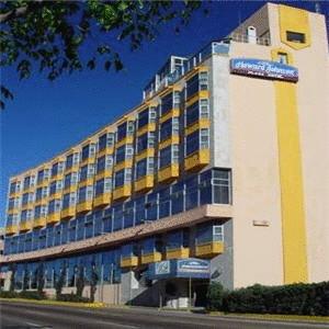 Howard Johnson Plaza Hotel Niagara Falls