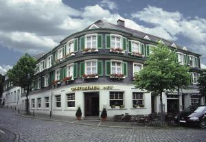 Hotel gr frather hof in solingen germany lets book hotel for Hotel in solingen