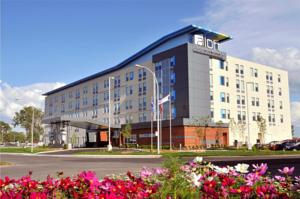 Aloft Montreal Airport 224 Dorval Canada Lets Book Hotel