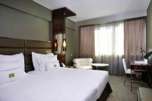 golden tulip hotel altis: