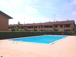 Apartment Residence Giardino A Sirmione Italy Lets Book Hotel