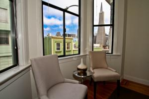 North Beach - Transamerica Pyramid Views Apartment