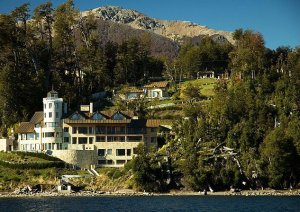 Don el faro boutique hotel spa en villa la angostura for Jardin 61 bariloche