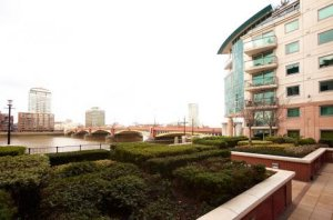 Thames View 3-Bed Serviced Apartment photo