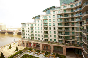 Thames View 3-Bed Serviced Apartment