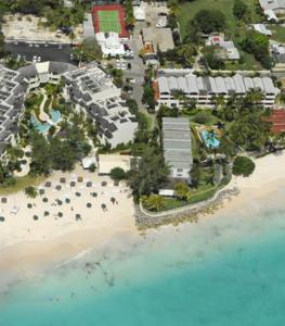 Bougainvillea Beach Resort à Christ
