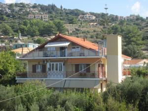 Lorenzo House Apartments