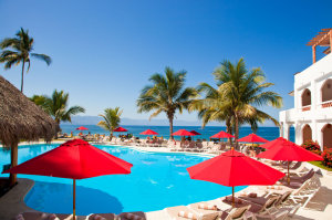 Plaza Pelicanos Club Beach Resort