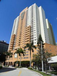 Fortune house hotel suites en miami usa mejores precios for 185 se 14th terrace