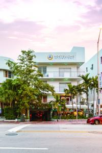 Located In The Famous Art Deco District And 2 Minutes Walk From Beach This Colorful Boutique Hi Miami Hostel Features Complimentary Breakfast