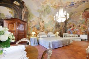 Piazza Pitti Palace - Residenza d\'Epoca in Florence, Italy - Best ...