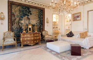 Luxury large flat champs elys es in paris france best for Flat hotel paris