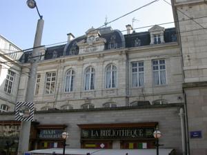 Appart h tel com die limoges france meilleurs tarif for Appart hotel tarif