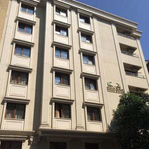 Cihangir ceylan suite in istanbul turkey best rates for Taksim pera orient hotel