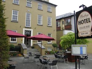 Baileys Hotel Cashel & Baileys Hotel Cashel in Cashel Ireland - Best Rates Guaranteed ...