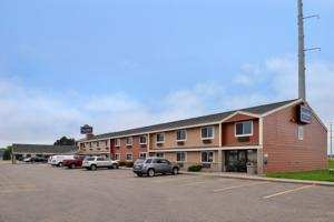 AmericInn Lodge and Suites - Saint Cloud