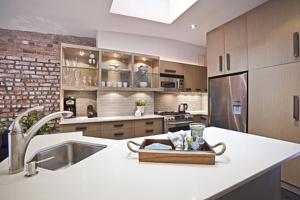 Luxury 2b/2b Condo with High End Finishes (Meatpacking )