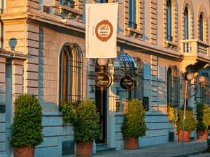 Hotel Regency-Small Luxury Hotels of the World