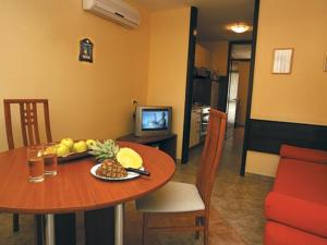 matilde beach resort in vodice croatia besten preise. Black Bedroom Furniture Sets. Home Design Ideas
