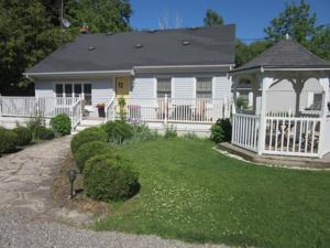 Carbonnel Bed And Breakfast