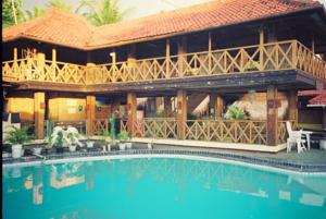 Hotel pantai mutiara in pelabuhan ratu indonesia best for Balcony hotel sukabumi