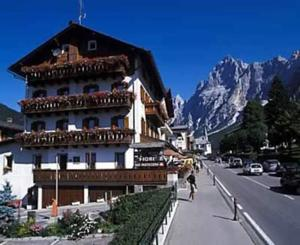 hotel meubl fiori in san vito di cadore italy best On hotel meuble fiori