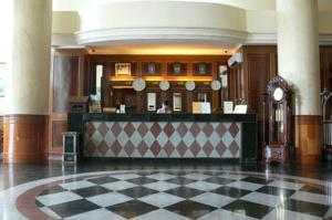 Royal Regal Hotel photo