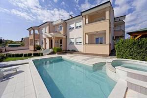 Bellaview Apartments