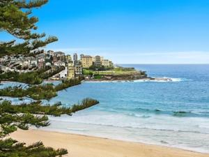 Bondi Beach Stunning Views in Sydney, Australia - Lets Book