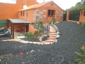Casas rurales mayordomo i ii en santa br gida spain for Muebles bandama