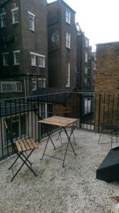Cosy studio flat in london uk best rates guaranteed for 43 queensborough terrace london w2 3sy