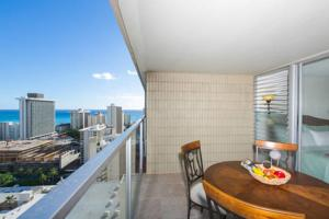 May's Vacation Rental Waikiki 2919