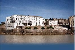 Royal Pier Hotel