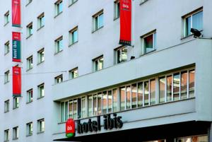 Ibis milano centro in milan italy best rates guaranteed for Booking milano centro