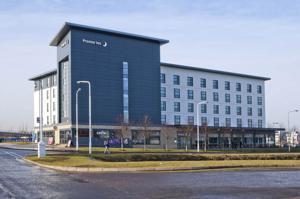 Hotel Front Picture Of Novotel Edinburgh Park