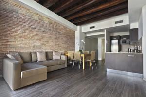 Apartamentos med ramblas in barcelona spain best rates guaranteed lets book hotel - Apartamentos en barcelona booking ...