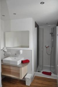 hotel asgard in gersthofen germany besten preise garantiert lets book hotel. Black Bedroom Furniture Sets. Home Design Ideas