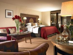 Westport Plaza Hotel, Spa & Leisure