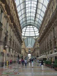 Private tour milan half day shopping tour lets book hotel for Cheap shopping in milan
